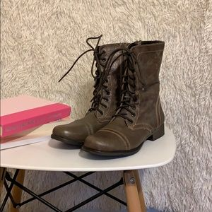 Steve Madden 5 Ankle Boots Lace-Up
